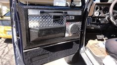 Door panels Chevy 4x4, Chevy Pickups, Chevrolet Silverado, Diy Truck Interior, Custom Car Interior, Custom Trucks, Custom Cars, Camo Truck, Jeep Cherokee Xj