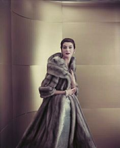 Photo by Virginia Thoren Virginia, Carmen Dell'orefice, Makeup Tips For Older Women, Vintage Glamour, Fur Coat, Vintage Fashion, Vogue, How To Wear, Jackets