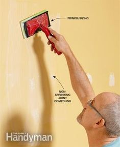 """Use a """"wall size"""" primer/sizing product Wallpaper Roller, Diy Wallpaper, Wallpapering Tips, Natural Sponge, How To Install Wallpaper, Best Solar Panels, Remodeling Mobile Homes, Used Vinyl, Diy Wall Art"""