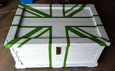 How to paint and tape a Union Jack on furniture