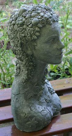 *Leben und Vergehen*    Hochwertige massive Skulptur. Sie wurde in einer Technik hergestellt, die ich selbst entwickelt habe. Meine Skulpturen werden