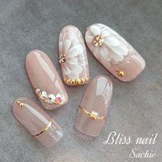 ブライダルネイル❤️#nail #nailart #nails#manicure...|ネイルデザインを探すならネイル数No.1のネイルブック