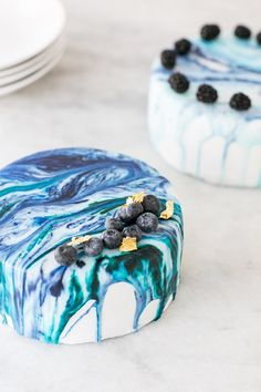 How to Create a Marble Drip Cake - Sugar and Charm - sweet recipes - entertaining tips - lifestyle inspiration