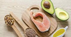 PCOS and weight loss can sounds like an oxymoron but it is possible. Here si what you need to know to help you lose weight with PCOS. Healthy Fats Foods, Fat Foods, Protein Foods, High Protein, Eating Healthy, Clean Eating, Pcos Diet Plan, High Carb Diet, Low Carb