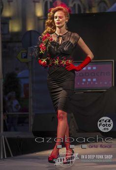 Desfile de Moda Pin Up de www.idfshop.es con tocados y complementos de http://www.floristeriaazabache.com/ y fotografías realizadas por Eduardo Alias de http://www.eafoto.es/ Vestido Giovanna. http://tienda.idfshop.es