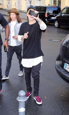 Justin Bieber News, Pictures and Videos | Bieber-news.com  — September 14: Justin walking around in Berlin,...