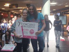 Sheila Tomé, de 19 años y de Santa Comba, se llevó el Gran Premio Marineda City en el II Concurso Coreográfico. ¡Enhorabuena! En la imagen, con el coreógrafo Rafa Méndez, que presidió el jurado #BailarEsSoñarConLosPies #CoreoLivingLaVIdaCity