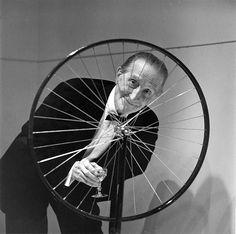Duchamp, A Roda de Bicicleta e O Mictório