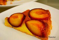 Prajitura rasturnata cu prune Caramel, Peach, Recipes, Food, Sticky Toffee, Candy, Peaches, Eten, Recipies