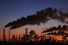 Informazione Contro!: EDITORIALE I gas tossici del capitalismo