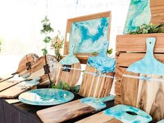 Resin cheese boards from Eumundi Markets Epoxy Resin Art, Diy Resin Art, Diy Resin Crafts, Wood Resin, Acrylic Resin, Diy Art, Fun Crafts, Diy And Crafts, Arts And Crafts