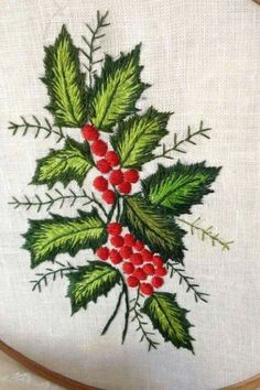 Christmas Embroidery Patterns, Hand Embroidery Stitches, Free Machine Embroidery Designs, Silk Ribbon Embroidery, Crewel Embroidery, Embroidery Hoop Art, Cross Stitch Embroidery, Xmas Cross Stitch, Brazilian Embroidery