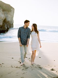Seaside engagement | Read More: http://www.stylemepretty.com/california-weddings/2014/08/26/santa-cruz-seaside-engagement/ | Photography: Brumley And Wells - brumleyandwells.com