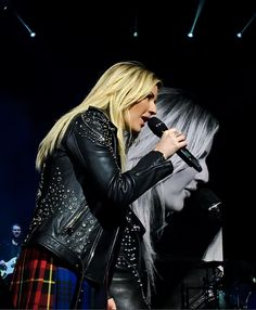 """martymcflyismydensity: """" Remember that time I was barricade to see Ellie Goulding? Ellie Golding, Red Tour, Indie Pop, Famous Singers, Female Singers, Wedding Humor, Kristen Stewart, Record Producer, Celebrity Photos"""