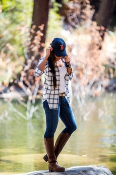 Womens clothing country fall outfits ideas womensoutfits womens mode ethnique c est quoi Cute Hiking Outfit, Summer Hiking Outfit, Hiking Boots Outfit, Look Boho, Look Chic, Summer Fashion Outfits, Fall Winter Outfits, Country Winter Outfits, Ladies Fashion