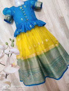 Baby Girl Dresses Diy, Little Girl Gowns, Kids Party Wear Dresses, Kids Dress Wear, Kids Gown, Baby Frocks Designs, Kids Frocks Design, Kids Clothes Refashion, Indian Dresses For Kids