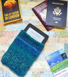 Knit your own gadget case to travel with: Check out the free pattern at LoveKnitting!