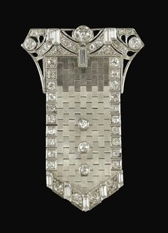Art Deco European cut diamond platinum articulated buckle brooch pendant from Adorn Bijoux Art Deco, Art Deco Jewelry, Jewelry Design, Art Nouveau, Art Deco Period, Art Deco Era, Antique Jewelry, Vintage Jewelry, Vintage Art