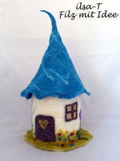 Needle Felted Animals, Needle Felting, Felt Doll House, Fairy Tree Houses, Recycled Jars, Waldorf Crafts, Felt Fairy, Xmas Stockings, Felt Dolls