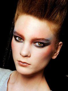 Backstage Beauty: Makeup Trends for Fall Makeup Trends, Beauty Trends, Makeup Tips, Eye Makeup, Hair Makeup, Beauty Make-up, Beauty Secrets, Hair Beauty, Punk Rock Makeup