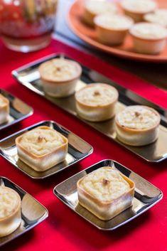 4 entrantes de Navidad muy originales - TinaCocina.com Appetizers Table, Dinner Party Desserts, No Cook Appetizers, Mini Desserts, Dessert Recipes, Cooking Time, Cooking Recipes, Sweet Potato Hummus, Decadent Cakes