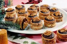 "Image: Restrictions: Not available for ""royalty free"" licensing… Christmas Dishes, Christmas Sweets, Christmas Baking, Köstliche Desserts, Delicious Desserts, Dessert Recipes, Baking Recipes, Cookie Recipes, Romanian Desserts"
