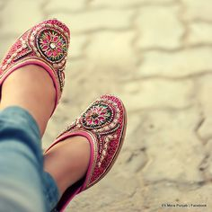 IT'S PG'LICIOUS — ehmerapunjab: A Punjaban wearing the traditional...