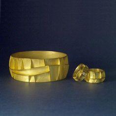 NICOLAI APPEL - DK-Guldarmring, 750 og 2 guldringe 750, m. brillianter Danish Crafts - Profiler