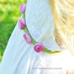 Suchst du eine Idee für einen Filzgürtel oder ein Haarband mit Filzblüten? Wir haben eine zuckersüße Idee, für kleine und große Blumenmädchen. Filzen geht einfach und unkompliziert. Die Anleitung findest du im Blog.