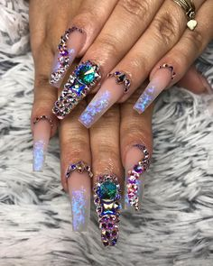 When each finger brings something to the table >>> Stunning! 💙💜 Nails by Bling Acrylic Nails, Drip Nails, Aycrlic Nails, Glam Nails, Best Acrylic Nails, Hot Nails, Rhinestone Nails, Bling Nails, Coffin Nails