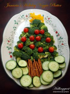 Christmas Tree Veggie Platter    www.facebook.com/PartieswithCharm