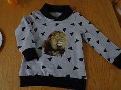 Voor zoonlief heb ik een sweater gemaakt. Het patroon komt uit de laatste B*trendy.      Hij is gemaakt van joggingstof (heerlijk zacht a...