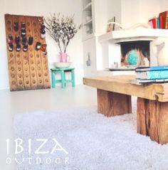 Een leuke foto uit Zandvoort deze keer! met onze robuuste salontafel, bij interesse mail naar ibizaoutdoor@gmail.com ook voor een afspraak in de loods. vr gr Mees