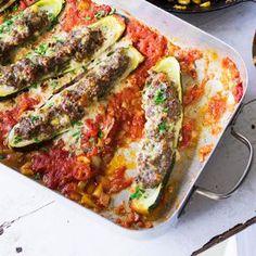 Keine Zucchini-Saison ohne die gefüllte Variante mit Hackfleisch. Das schmeckt aber auch gut!
