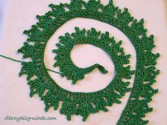 Pomul de Crăciun. Crochet Christmas Decorations, Christmas Ornament Wreath, Christmas Tree Pattern, Crochet Christmas Ornaments, Holiday Crochet, Xmas Decorations, Christmas Crafts, Thread Crochet, Crochet Doilies