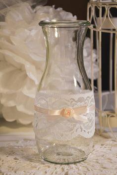 Diese Vase in Vintage-Optik aus meinem Shop eignet sich hervorragend als Hochzeitzsdekoration.   Es handelt sich um eine umfunktionierte Weck-Flasche, der passende Shabby Chic Look! Ich habe sie...