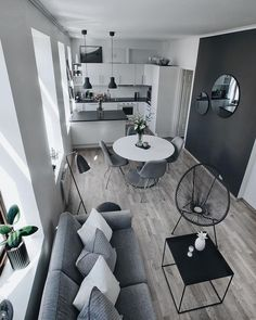 32 The Best Small Apartment Living Room Design And Decor Ideas - Living in a studio apartment may limit you physically, but it doesn't have to cramp your imagination. What you can or cannot do with your living room . Small Apartment Living, Cheap Apartment, Small Apartment Decorating, Small Appartment, Decorating Kitchen, Appartement Design, Home Design, Design Ideas, Dining