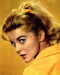 Ann starring The swinger