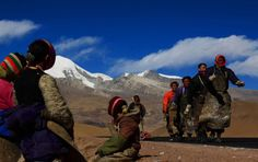 Wonderful group tours from Lhasa all the way to Mount Everest Base Camp.