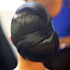 Wedding Hairstyles Updo Nigerian Wedding bridal hairstyles for black brides My Hairstyle, Bun Hairstyles, Straight Hairstyles, Wedding Hairstyles, Black Hairstyles, Bridesmaids Hairstyles, Love Hair, Gorgeous Hair, Curly Hair Styles