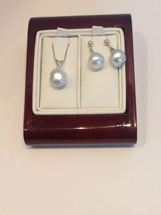 14kt white south sea pearls South Sea Pearls, South Seas, Pearl Earrings, Watches, Jewelry, Pearl Studs, Wristwatches, Jewels, Schmuck
