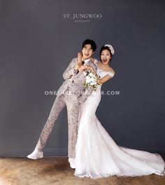 View photos in STJungwoo 2018 New Sample. Pre-Wedding photoshoot by ST Jungwoo, wedding photographer in Seoul, Korea. Pre Wedding Poses, Pre Wedding Photoshoot, Wedding Pics, Wedding Couples, Wedding Dresses, Foto Wedding, Wedding Book, Wedding Venues, Ideas Para Photoshoot