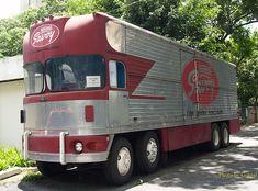 Big Rig Trucks, New Trucks, Custom Trucks, Cool Trucks, 6x6 Truck, Custom Choppers, Custom Motorcycles, Old Tractors, Heavy Truck