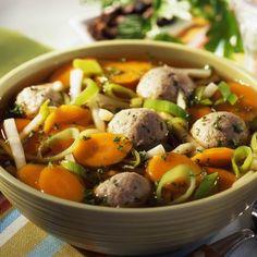 Zöldségleves húsgombóccal Recept képpel - Mindmegette.hu - Receptek Hungarian Recipes, Pot Roast, Potato Salad, Beef, Chicken, Cooking, Ethnic Recipes, Lazy People, Pork