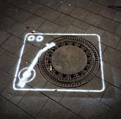 Street Art Buzz ‏@StreetArtBuzz 25m25 minutes ago  music in the streets https://twib.in/l/7RL87Mk4eMB  #streetart