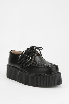 Mondo Leather Creeper from Urban Outfitters! Estilo Grunge, Ugly Shoes, Punk, Sneaker Boots, Platform Shoes, Lace Up Boots, Me Too Shoes, Chelsea Boots, Urban Outfitters