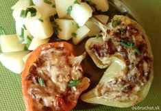 Pečené papriky s hubovou plnkou Baked Potato, Tacos, Potatoes, Baking, Ethnic Recipes, Food, Anna, Red Peppers, Bread Making
