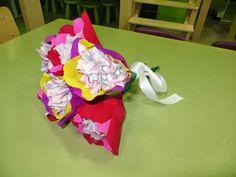Thema trouwen / bruiloft: boeket maken Little Pumpkin, Be My Valentine, School, Desserts, Tailgate Desserts, Deserts, Postres, Dessert, Plated Desserts