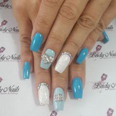Otra clienta Feliz. ... Hermosos dijes a la moda. Gracias @surimizay por preferirnos. .. #nailstagram #nails #arte #uñas #panama