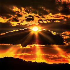 Beautiful sun rays.